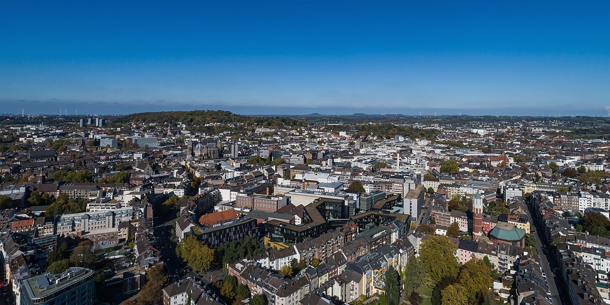 1200px-Aachen_aerial_view_10-2017_img2
